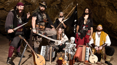 oddwood-cave-promo-lawful-evil-2016_web [photo by Flip Cassidy]